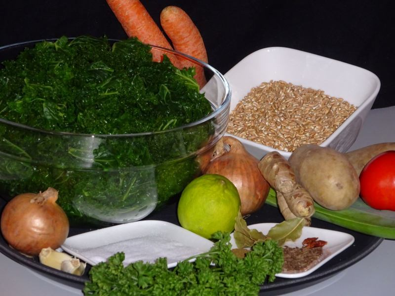 ingredients Hotpot with Kale and Spelt Grain